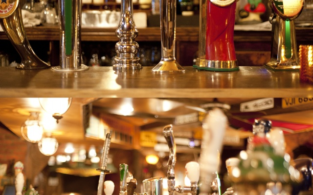 McKibbins Irish Pub: Montreal's original Pub & Bar  | Over 21 Beers on Tap | McKibbins Irish Pub is the Montreal Irish Pub & Bar. The best bar & pub food in the Montreal area with an irish twist, live bands & over 24 beers on tap.